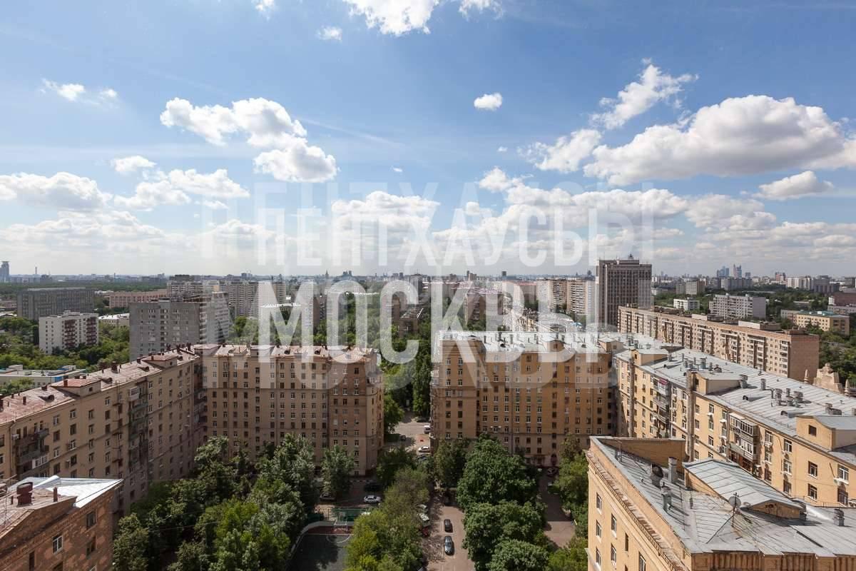 Двухуровневая квартира в сталинском доме на Проспекте Мира
