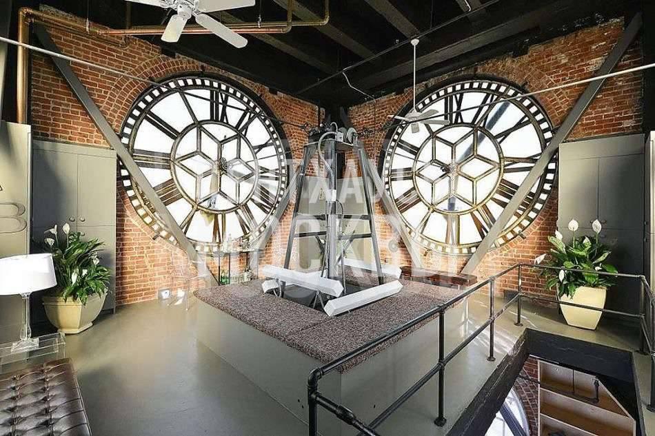 В ногу со временем: пентхаус в башне с часами